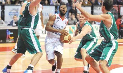 Basket, Angelico beffata al supplementare
