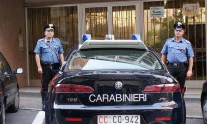 Frattura il naso a un carabiniere