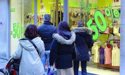 """Torna il """"Fora tut"""": super sconti nei negozi del centro di Biella"""