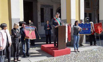 Commemorazione Liberazione Con Studenti In Piazza Duomo