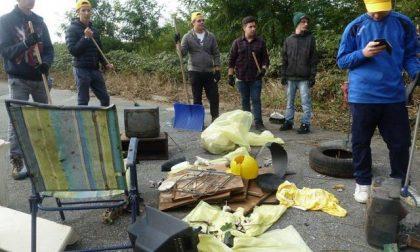 Puliamo il mondo: 350 chili di rifiuti abbandonati