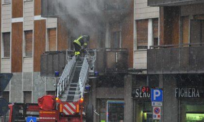 Brucia la casa di Sergio Fighera: 9 intossicati