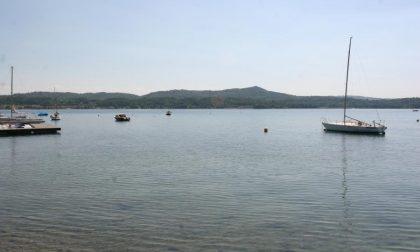 Abusava di una ragazzina in barca nel lago
