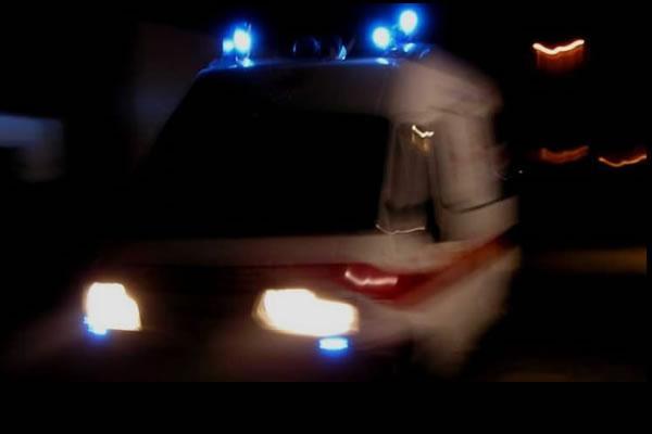 Bomba d&#8217&#x3B;acqua, automobilista esce di strada e finisce in ospedale