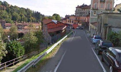 Aggrediti in Riva con i cocci di bottiglia