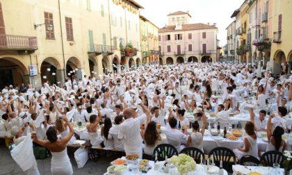 In 1700 al Piazzo per la Cena in Bianco