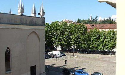 Piazza Duomo, abbattuti i platani