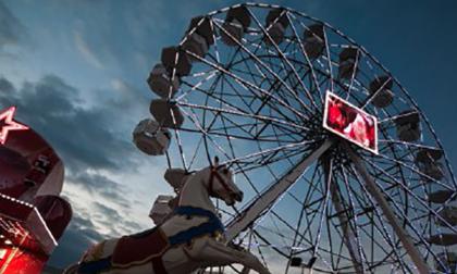 Una ruota panoramica da 30 metri