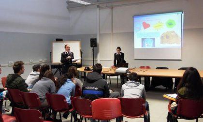 Carabinieri fanno lezione all'Enaip