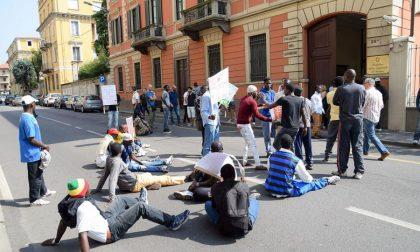Niente pocket money, protestano tre migranti