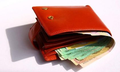 «Restituiti portafogli e soldi»
