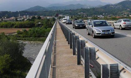 Traffico in tilt sul ponte della tangenziale