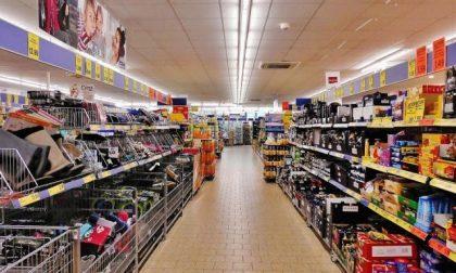 """Il Tar """"riapre"""" i supermercati del Piemonte: oggi saranno tutti in attività"""