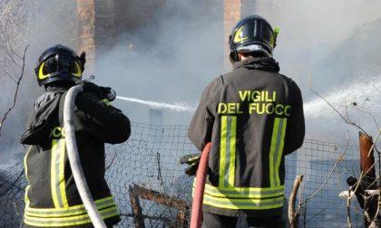 Bruciano sterpaglie a Chiavazza