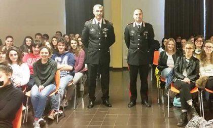 Contro il bullismo studenti a lezione dai Carabinieri
