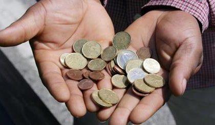 Derubata a 90 anni col trucco delle monete