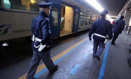 Giovane di Biella aggredisce gli agenti in stazione a Torino e viene arrestato