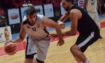 Hall strappa applausi, l'Angelico vince