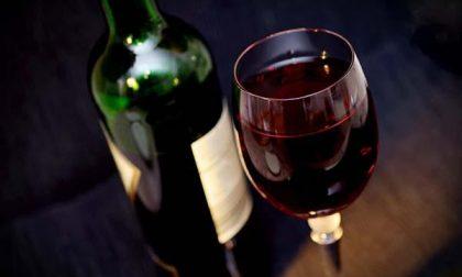 A 84 anni raggirata con la truffa delle bottiglie di vino