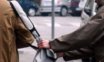 La borseggiatrice al mercato ha più di 70 anni. Bloccata