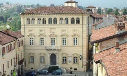 Piazzo, palazzo Cisterna è in vendita