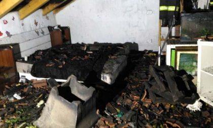 Casa in fiamme, coppia evacuata