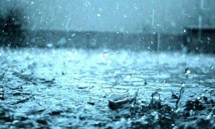 Troppa pioggia, slitta l'inaugurazione del mercatino degli gnomi
