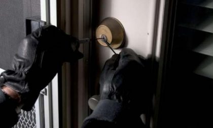 Carabiniere si trova un ladro in casa