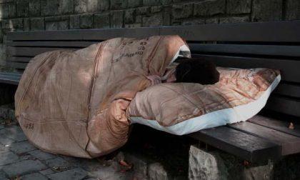 Un letto e cibo caldo per i senzatetto