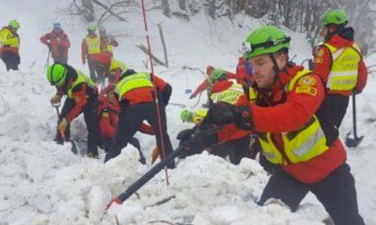 «In Abruzzo si scava ancora in condizioni critiche per la neve»