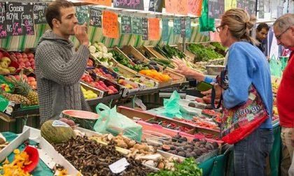 «Perché chiudere via La Marmora per sette bancarelle del mercato?»