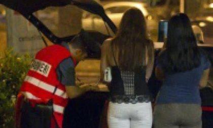 Shock in via Candelo: svenuta in strada con un feto nella borsa