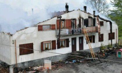 Abitazione smembrata da un furioso incendio