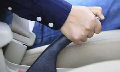 Auto senza freno a mano