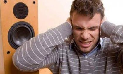 La musica a palla che disturba