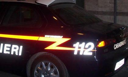 Allontanato dal centro di accoglienza per furti, vuole tornare: intervengono i carabinieri