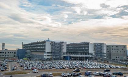 Ospedale, sit-in di protesta della Cgil contro il sindaco per  i parcheggi a pagamento