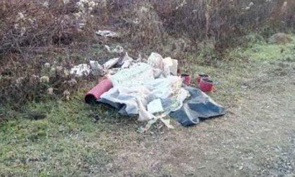 """Abbandono rifiuti: Polizia locale identifica responsabile con """"fototrappole"""""""