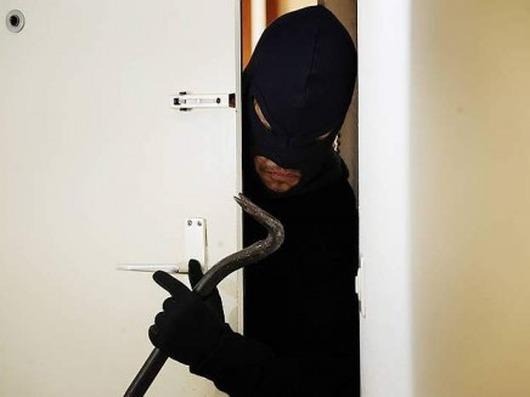 Raid dei ladri, tre aziende sotto attacco