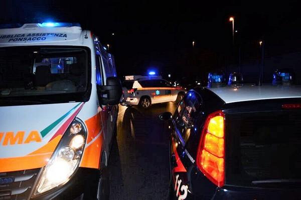 Cossato, uomo accoltellato chiede aiuto in caserma. Carabinieri indagano per tentato omicidio