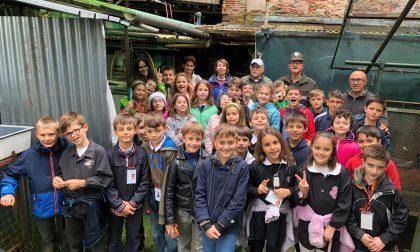 Studenti in visita all'incubatoio delle trote di Sordevolo