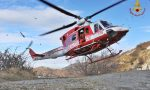 Si perdono in montagna, recuperati dall'elicottero con il loro cane