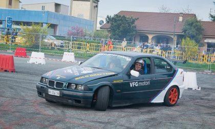 Spettacolo con le auto da drift e da rally