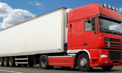 "Gps ""infedele"", due camion bloccati a Curino"