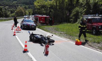 Scontro auto e moto: due feriti gravi