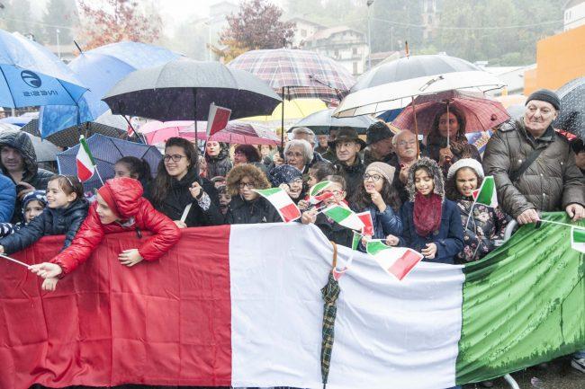 Un gruppo di bambini di Valle Mosso per Mattarella (Foto Canova)