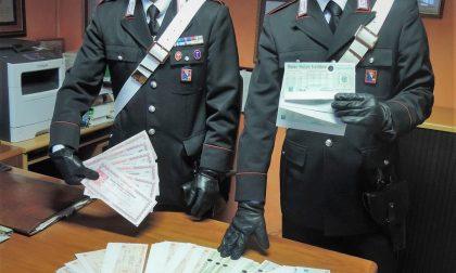 Trova 250mila euro in buoni postali e li restituisce
