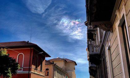 """Un """"arcobaleno di fuoco"""" nel cielo di Biella"""