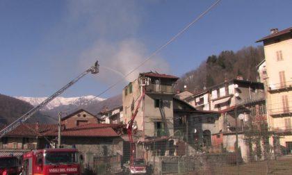 Incendio a Coggiola: crollati tetto e piani superiori