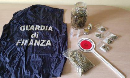 """Sequestrati 3,2 chili di """"cannabis light"""""""